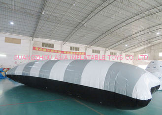 China Colorful Inflatable Water Pillow For Water Sports In Aquatic Parks factory