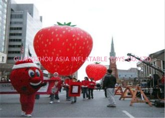 China Advertising Inflatables Strawberry Character Balloon Giant Fruits Flying Ball factory