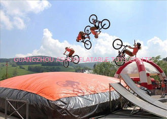 China Customized Big Trampoline Park Inflatable Foam Pit Freefall Air Bag factory